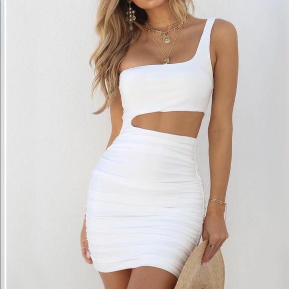 2805bed92c White Ava Dress from Tiger Mist. M 5b8b1ac91537956d9d3eb9e5